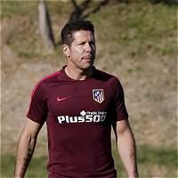 Simeone trabaja solo con cuatro futbolistas de la primera plantilla