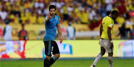 Suárez alcanzó a Crespo como goleador histórico en eliminatorias