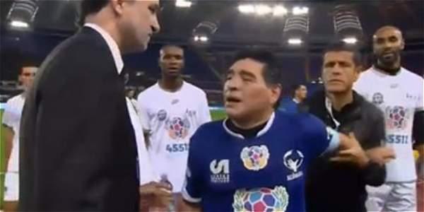 Maradona protagoniza vergonzosa pelea en pleno Partido por la Paz