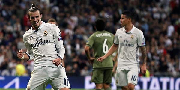 Gareth Bale celebra su anotación.