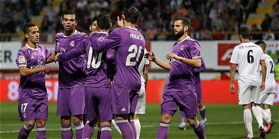 James hizo tres asistencias en goleada del Real Madrid en Copa del Rey