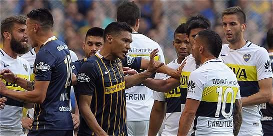 Teo Gutiérrez anotó en el empate 1-1 contra Boca y se fue expulsado