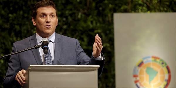 Alejandro Domínguez, presidente de la Conmebol, viaja a Colombia.