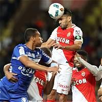 Falcao anotó 2 goles en la victoria 5-0 del Mónaco contra el Bastia