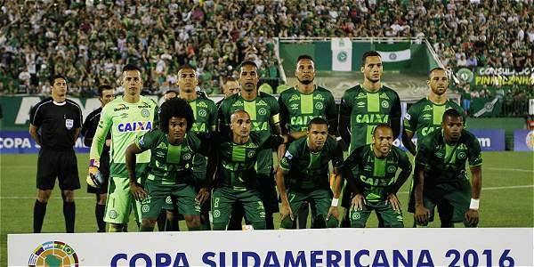 Último adiós a los jugadores en Chapecó — Tragedia del Chapecoense