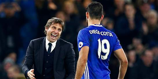 Chelsea goleó 4-2 al Stoke y sigue líder de la Premier
