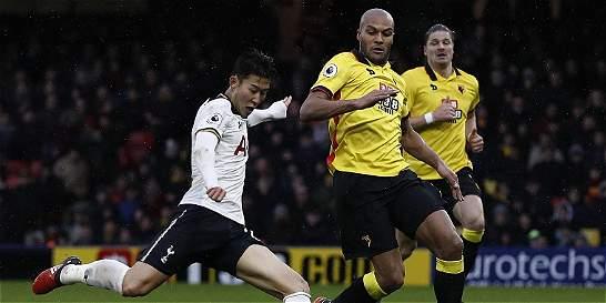 Tottenham goleó 1-4 al Watford y se acercó a los líderes
