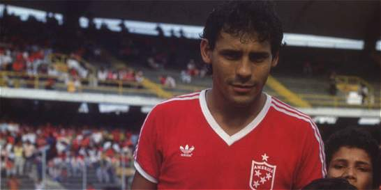 Murió Roberto Cabañas, exjugador de Boca y de América de Cali