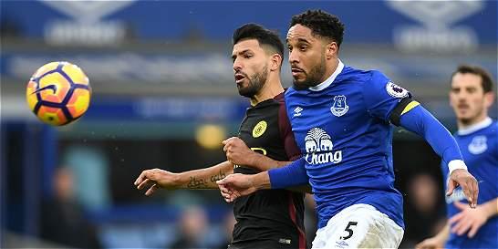 Everton goleó 4-0 al City y lo dejó lejos de la pelea por el título
