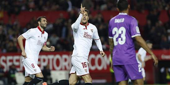 Terminó el invicto de 40 partidos del Real Madrid: Sevilla le ganó 2-1