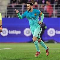 Barcelona goleó 0-4 a Éibar y sigue a la caza del Real Madrid