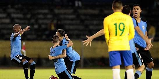 Uruguay sigue imparable en el Suramericano: venció 2-1 a Brasil