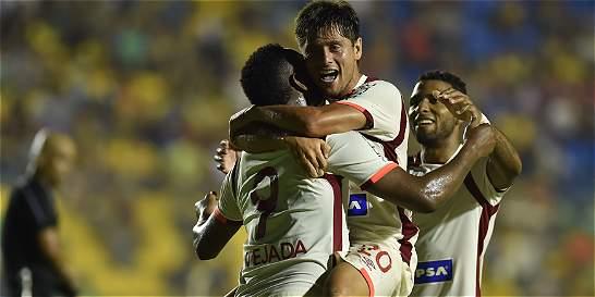 Universitario mostró su experiencia y derrotó 3-1 a Deportivo Capiatá