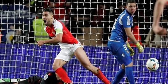 Falcao sigue en lo suyo: anotó doblete contra el Niza