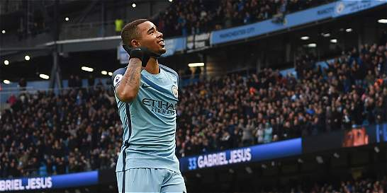 Con un doblete de Gabriel Jesús, Manchester City venció 2-1 al Swansea