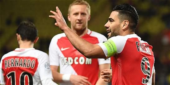 Falcao anotó doblete en la victoria del Mónaco 5-0 contra el Metz