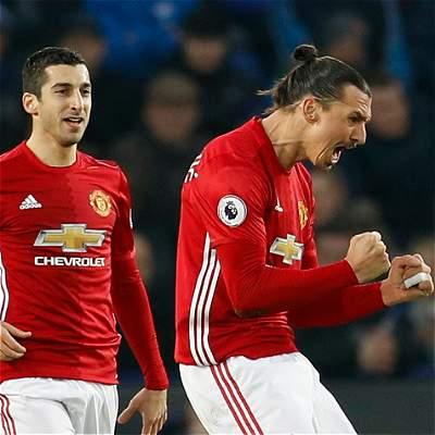Con gol de Ibrahimovic, Manchester United venció 1-2 al Blackburn