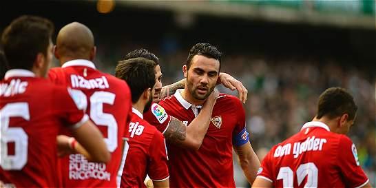 Sevilla derrotó 1-2 al Betis y sigue en la lucha por la Liga de España