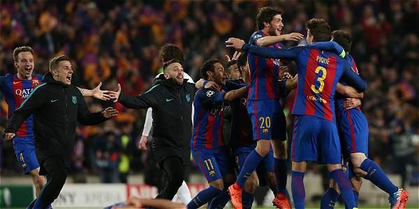 El éxtasis del Barça al final del partido, tras conseguir el milagro de remontar el 4-0 del PSG.