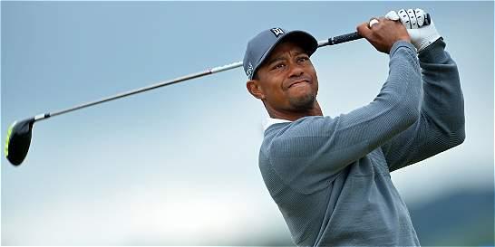 Tiger Woods espera regresar a los torneos en octubre