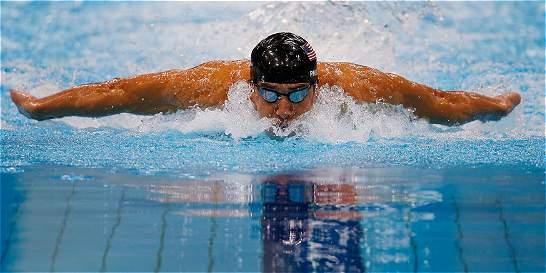 Phelps regresa a la competencia tras cumplir suspensión