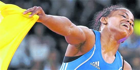 Jackeline Rentería ganó oro en el torneo de lucha en Italia