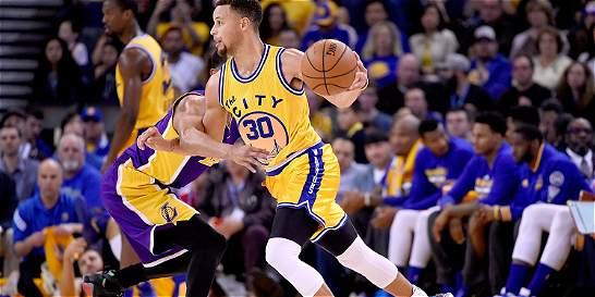 Warriors logran mejor arranque de temporada en la historia de la NBA