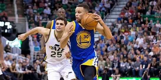 Curry llevó a Warriors al decimonoveno triunfo de la temporada