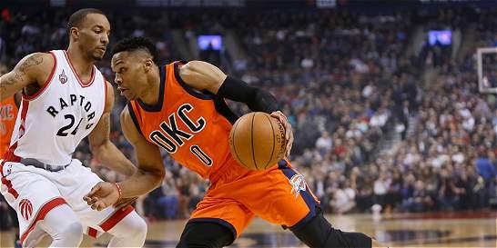 Russell Westbrook empató marca de Jordan y ahora va por Johnson