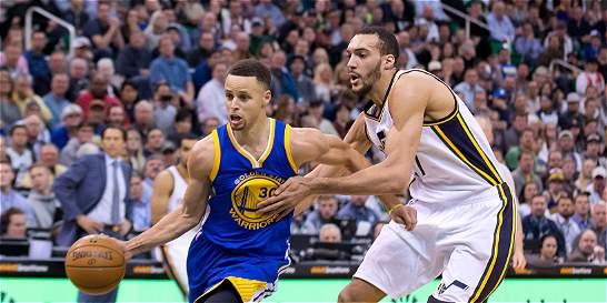 Spurs impuso marca histórica y Warriors se acerca a la de Bulls