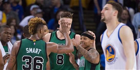 Celtics derrotó a Warriors y le puso a fin a su invicto de local
