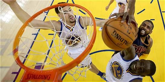 Warriors se va arriba en la final de la NBA