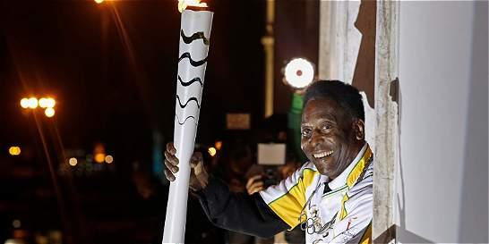 Pelé no encenderá la llama olímpica debido a su mal estado de salud