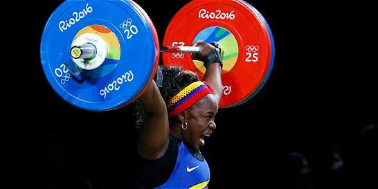 Ubaldina Valoyes, cuarta en levantamiento de 75 kg
