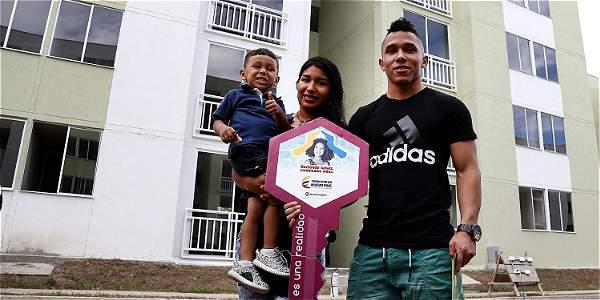 Luis Javier Mosquera recibió este viernes una casa en Yumbo, tras ganar bronce en Río 2016.