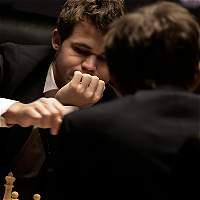 Carlsen y Karjakin, en tablas en la última partida y van al desempate
