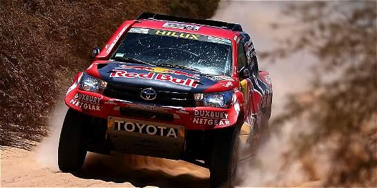 Loeb y Price toman el liderato del Dakar en la segunda etapa