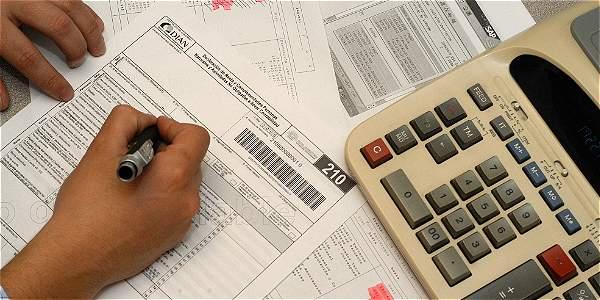 Declarantes como personas naturales podrían pagar más impuesto de renta con la reforma tributaria.