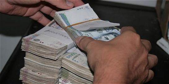 Precio de dólar e impuestos influyen en balances empresariales