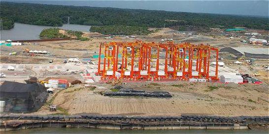 Escándalo por orden de suspensión de obras del Puerto de Aguadulce