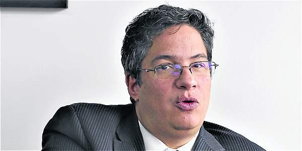 Santiago Rojas pasa del Ministerio de Comercio a la Dian.