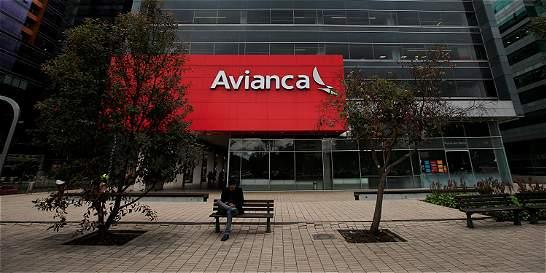 Drástico recorte en altos cargos de la aerolínea Avianca