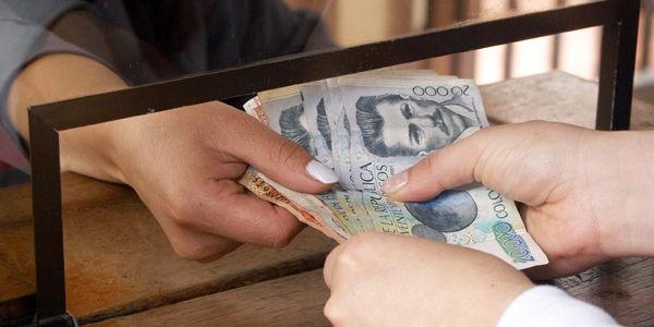 En el primer semestre del año, a través de las oficinas bancarias se hicieron operaciones por 1.579 billones de pesos.