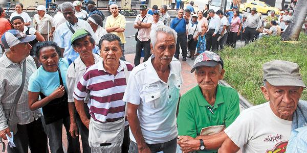 En Colombia solo el 23 por ciento de las personas en edad de jubilación recibe una pensión.