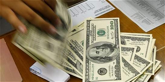 Precio del dólar sube 16 pesos