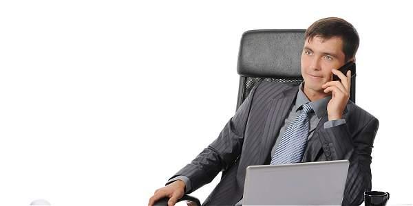 Desde el inicio las empresas deben ser claras sobre el uso del celular en los espacios laborales.