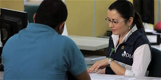 Retefuente en el 2017 aplicaría a los salarios desde 4'476.221 pesos