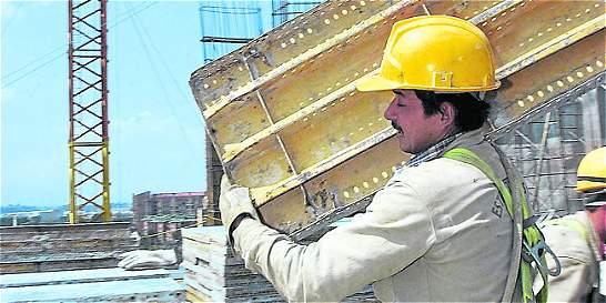 Colombianos trabajaron más de 46.861 millones de horas en el 2012