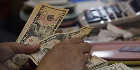 Dólar se fortalece y apunta a más de $ 2.000