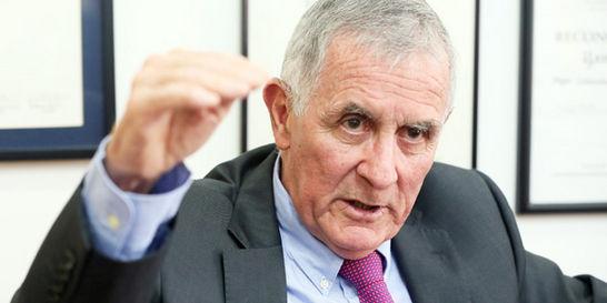 'Hay que subir las tasas de interés para contener la inflación'